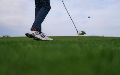 The 5 Best Golf Shoes for Wide Feet