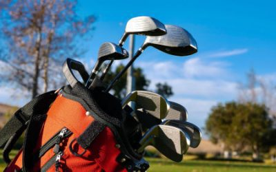 What Are the Basic Golf Clubs Needed for a Beginner?